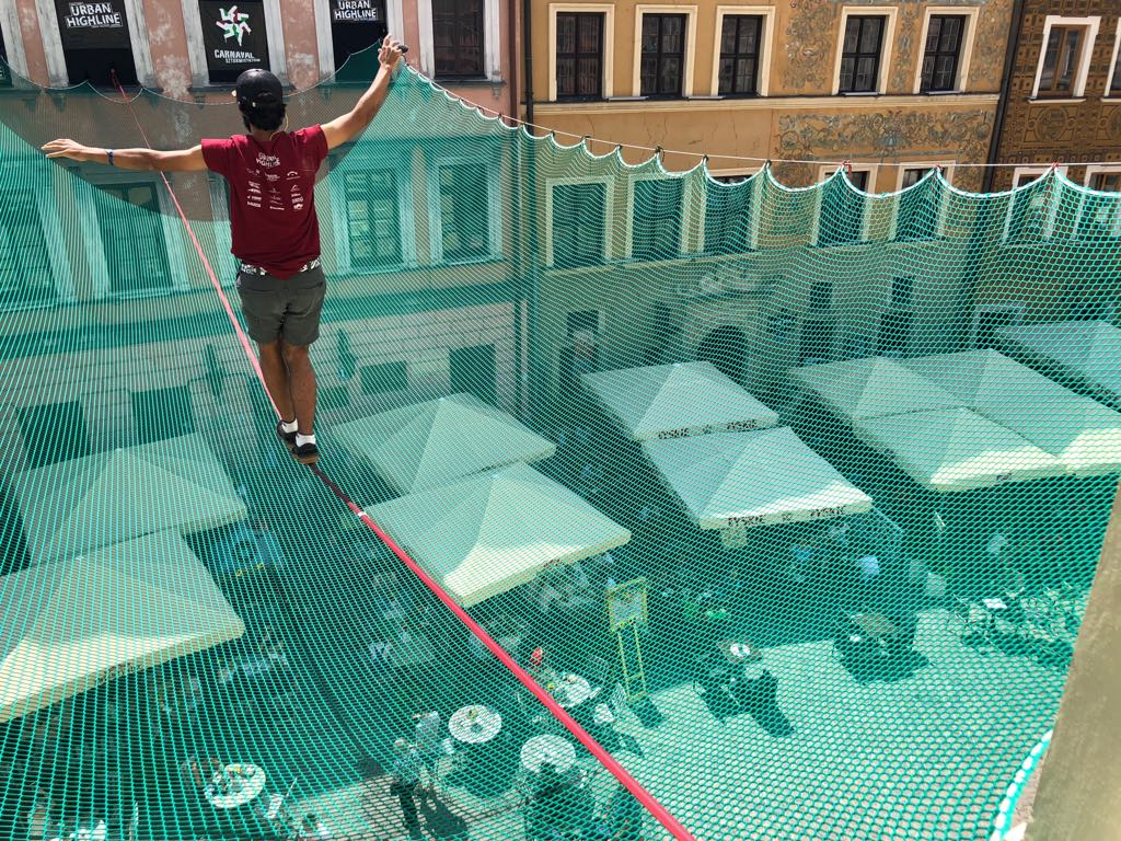 navin-freesolo-over-safety-net-photo-by-alon-stein-2