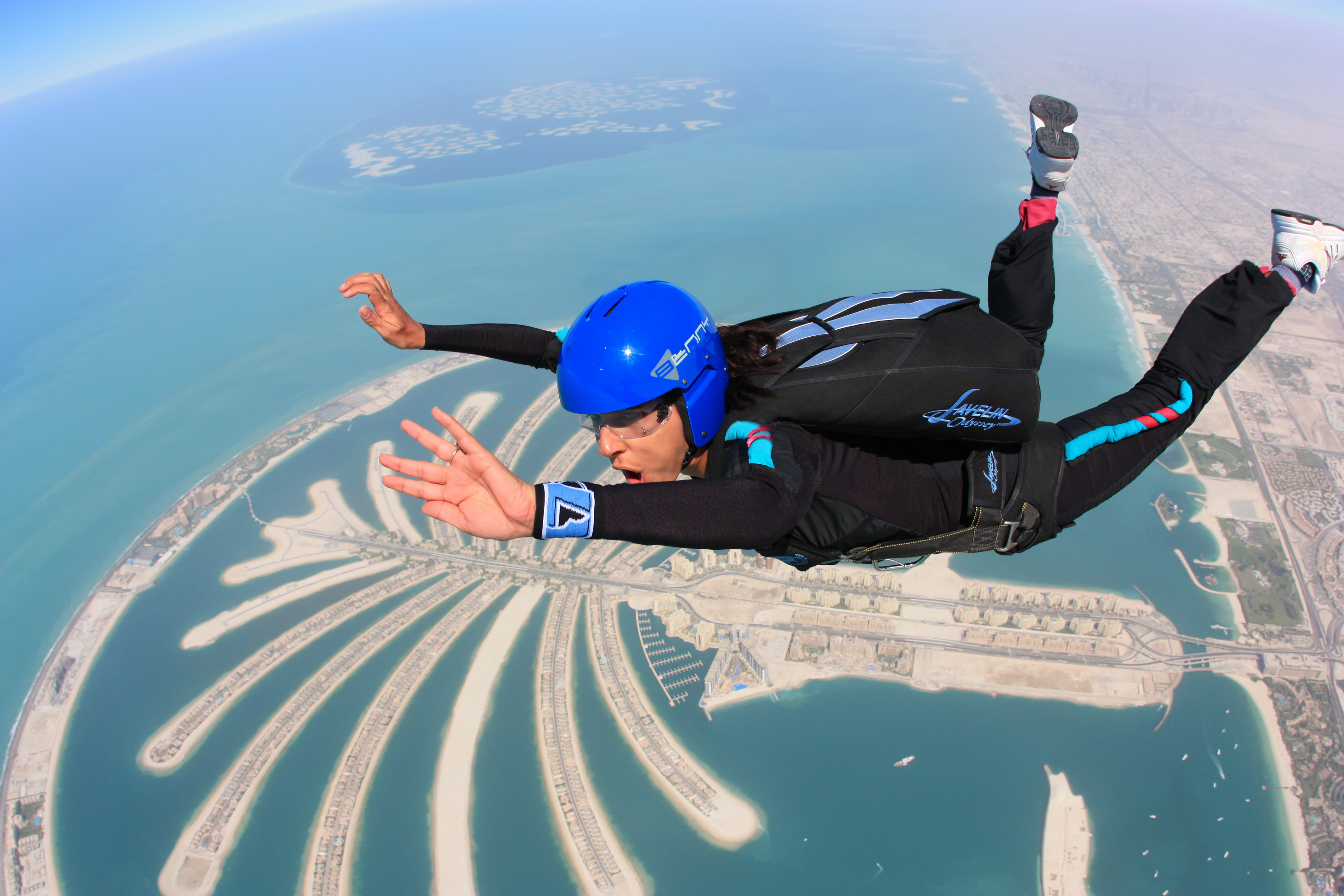 skydiving_at_the_palm__dubai